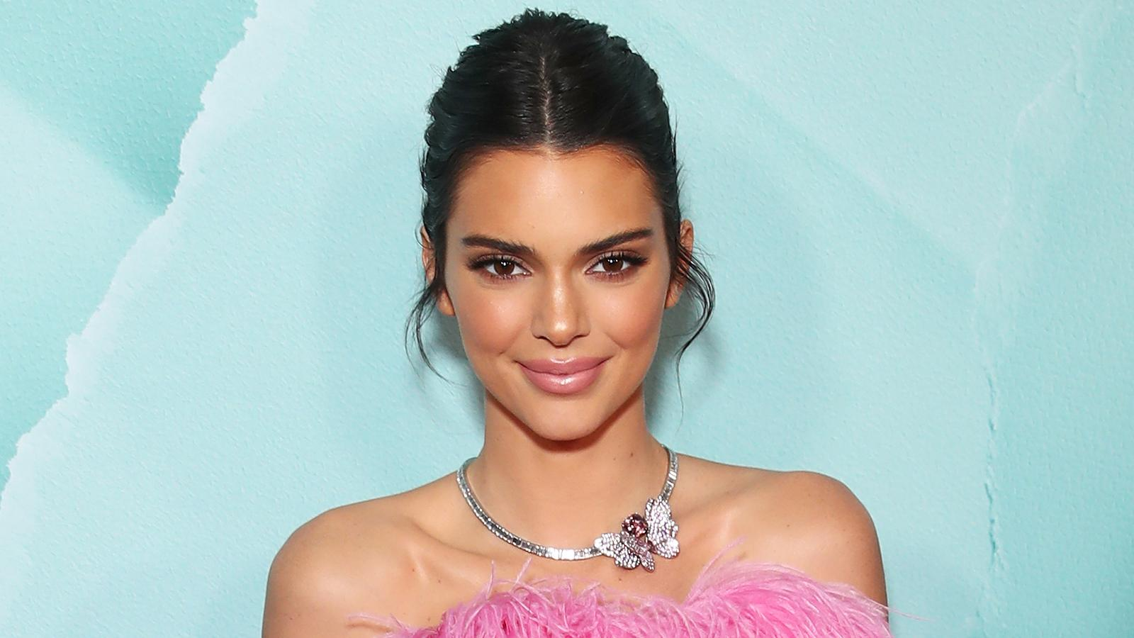 KUWK: Kendall Jenner Hints She Might Want To 'Start A Family' While Playing With Kimye's Sons - Check Out The Cute Pics!