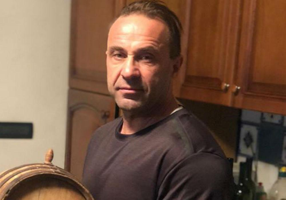 RHONJ - Joe Giudice Gives Fans An Online Tour Of His Apartment In Italy