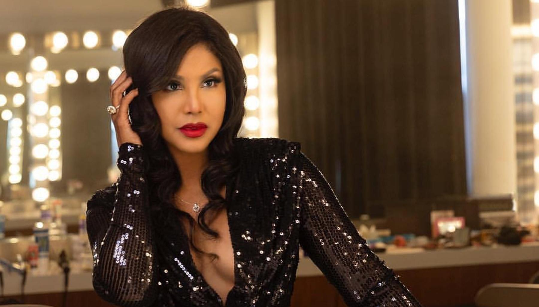 Toni Braxton Shares Jaw-Dropping Photos From A Concert - Tamar Braxton Praises Her Sister