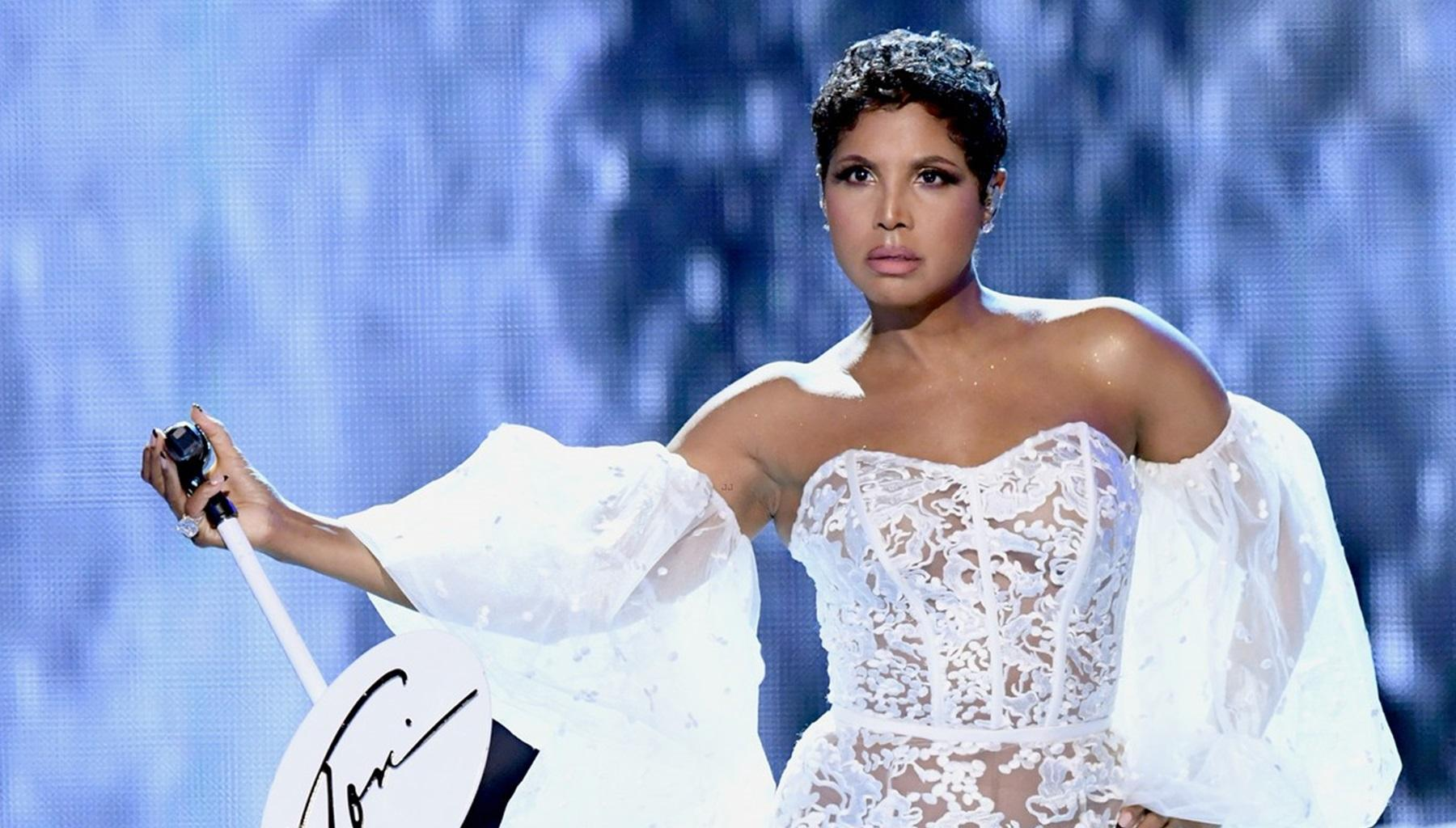 Tamar Braxton And Kris Jenner Had The Best Reactions To Toni Braxton's Stellar AMAs Performance For First Time In 25 Years