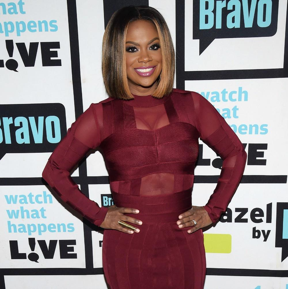 Kandi Burruss Spends Some Quality Time With Her Friends