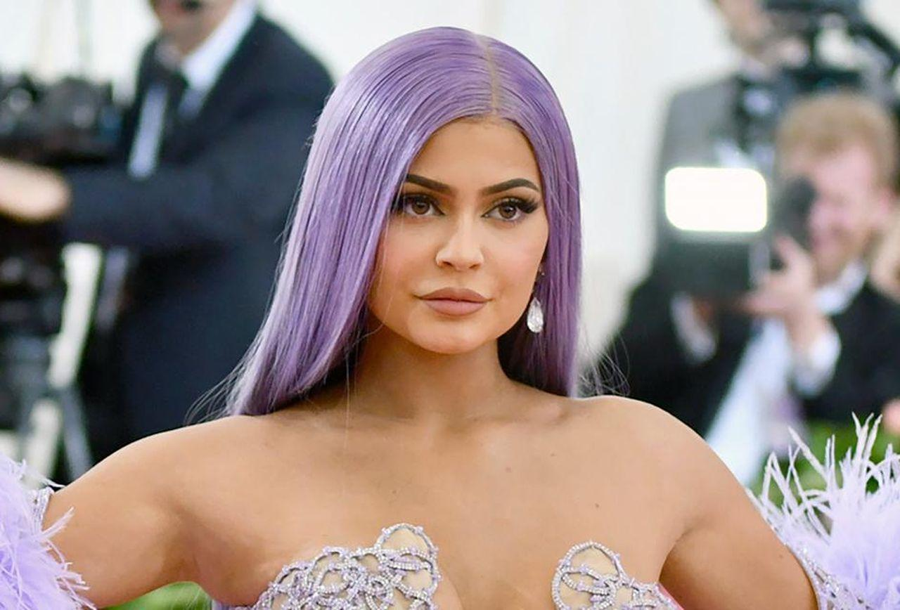 KUWK: Kylie Jenner Is 'Super Excited' After Selling 51 Percent Of Kylie Cosmetics - Here's Why!