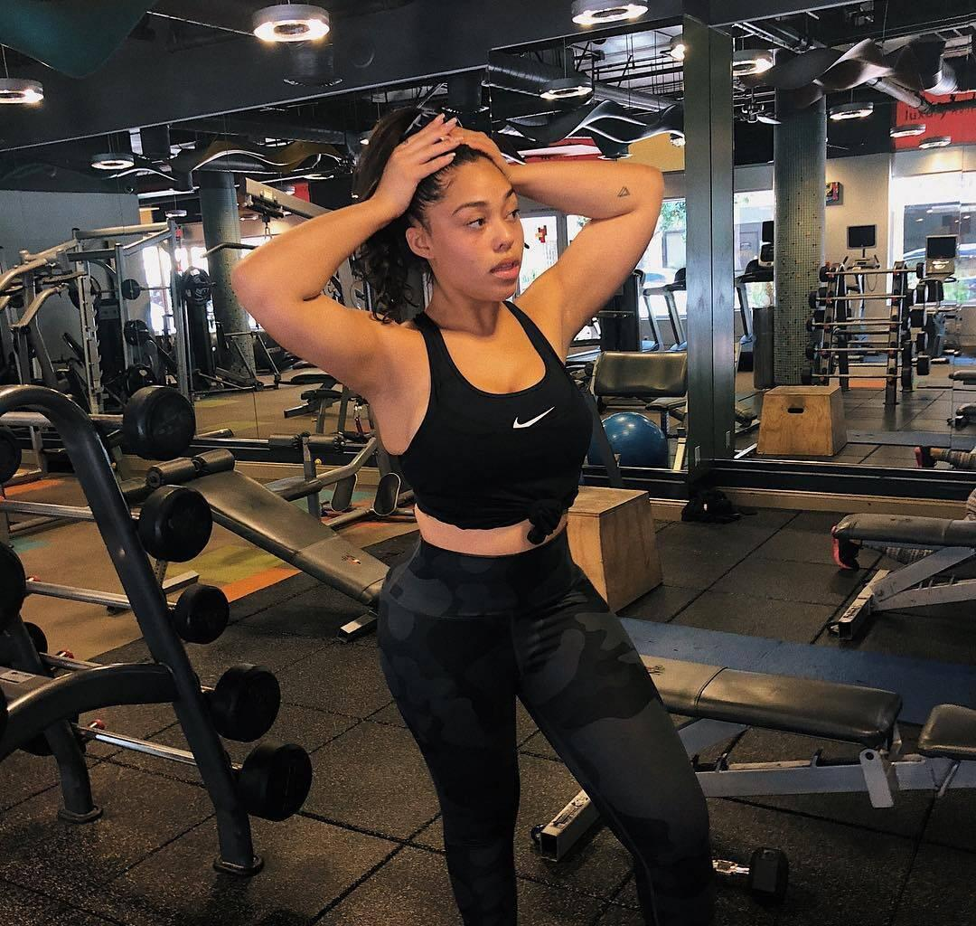 Jordyn Woods Blows Fans' Minds While Working Out - See Her Best Assets On Display