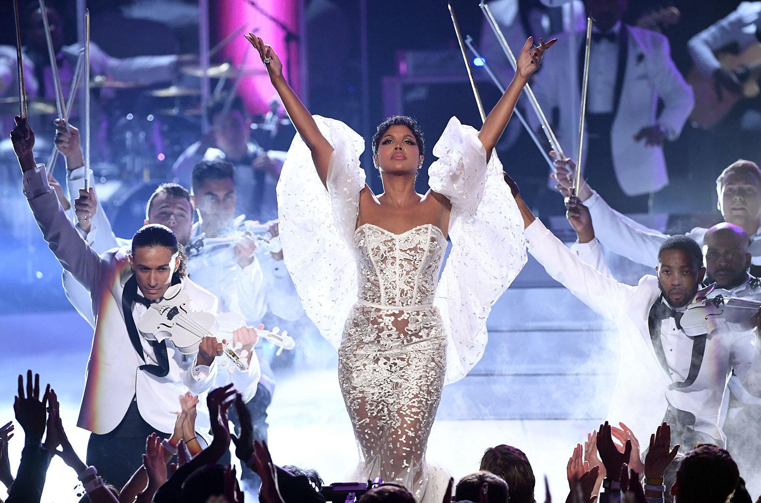 Toni Braxton's Fans Are Beyond Impressed Following Her AMAs Performance