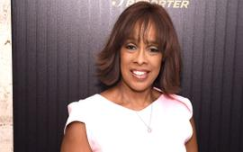 Gayle King Posts Photo With Imperfections And All - Fans Praise Her Authenticity