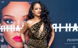 Rihanna Is The First Woman Of Colour Who Spent More Than 200 Weeks On The Billboard 200 Chart