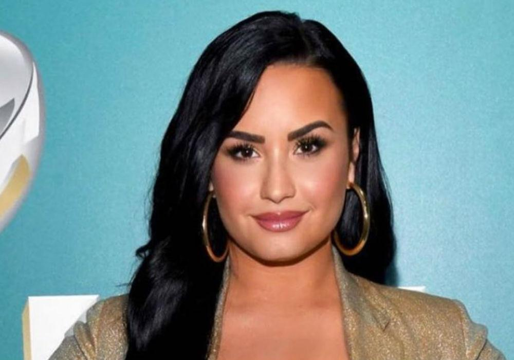 Demi Lovato Shares The Emotional Moment She Came Out To Her Parents