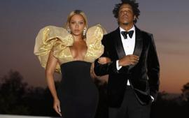 Beyonce And Jay-Z Wore His And Her Lorraine Schwartz Diamond Rings Totaling 58 Carats To The Golden Globes