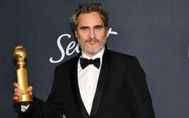Joaquin Phoenix Will Wear The Same Tuxedo Throughout Awards Season To 'Reduce Waste'