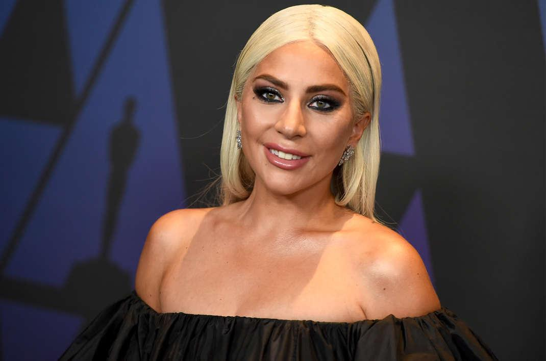 Lady Gaga Spotted Kissing Anonymous Man On New Year's Eve
