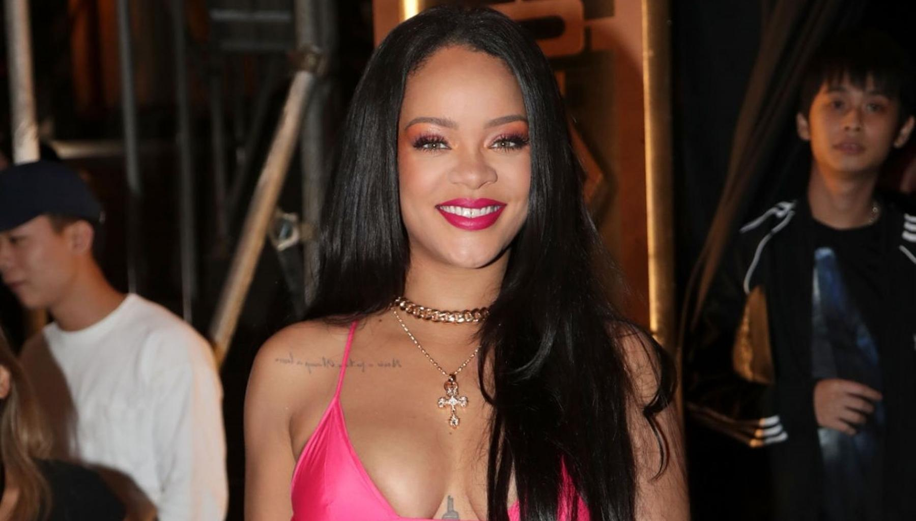 Rihanna Changes Her Hair Style In New Photos After Breakup From Hassan Jameel