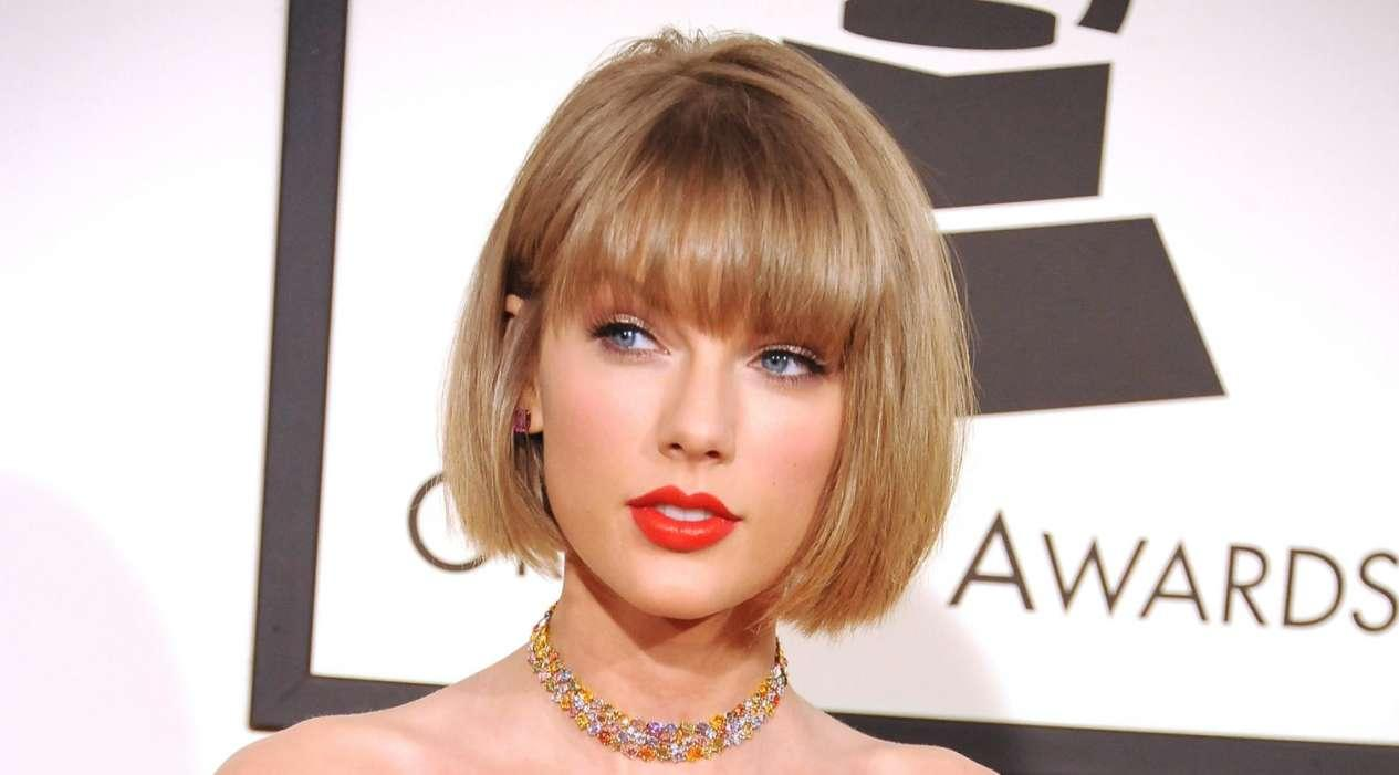 Industry Insiders Claim The Real Reason Taylor Swift Didn't Go To Grammys Is They Couldn't Guarantee Her Victory