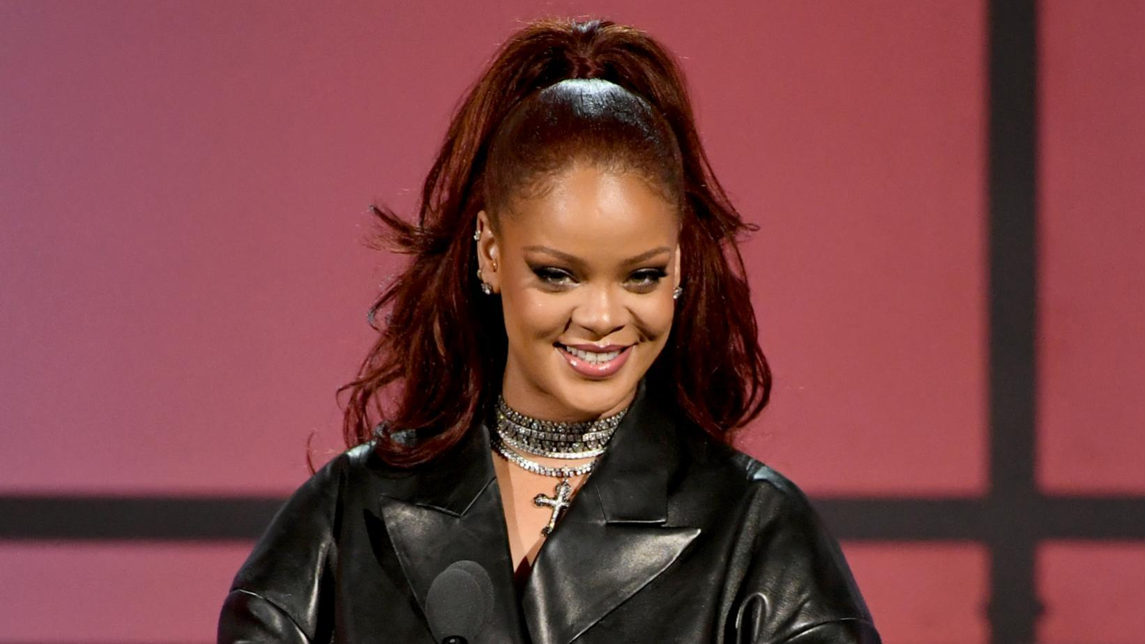 Diddy Sparks Rihanna Dating Rumors With This Photo