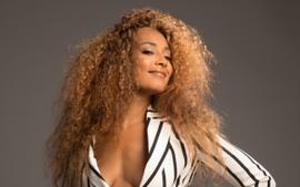 Amanda Seales Tells Extra Host To 'Stop' As She Tries To Pit The Real Co-Hosts Against Each Other And Fans Are Living For The Moment