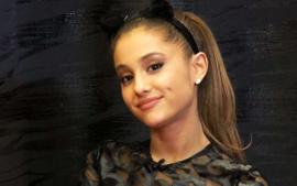 Ariana Grande Cozies Up To Jim Carrey In An Instagram Post