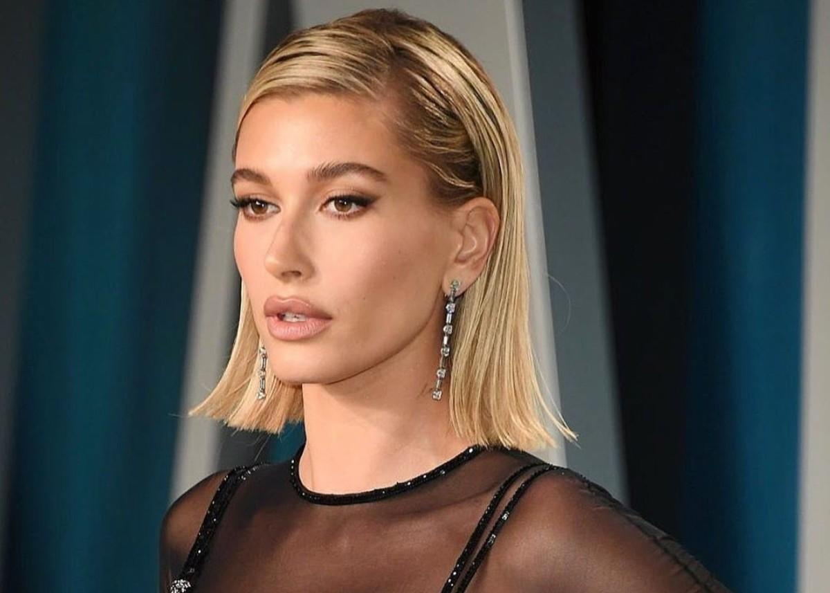 Hailey Bieber Wore Atelier Versace To Vanity Fair Oscar After Party — See The Stunning Photos