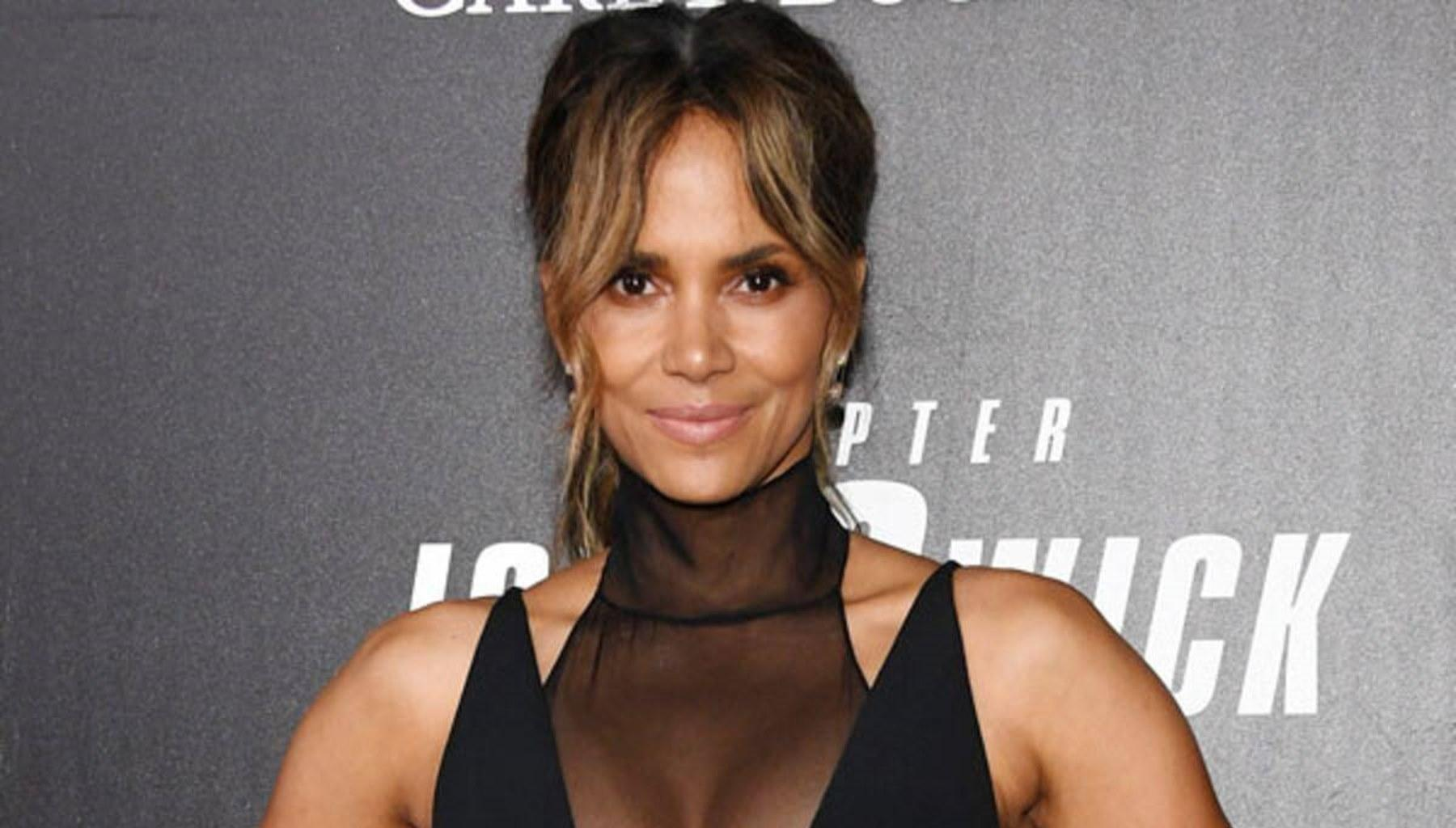 Halle Berry Is Unbelievably Flexible And Inspirational In New Photo As She Takes Fans On A Real Journey