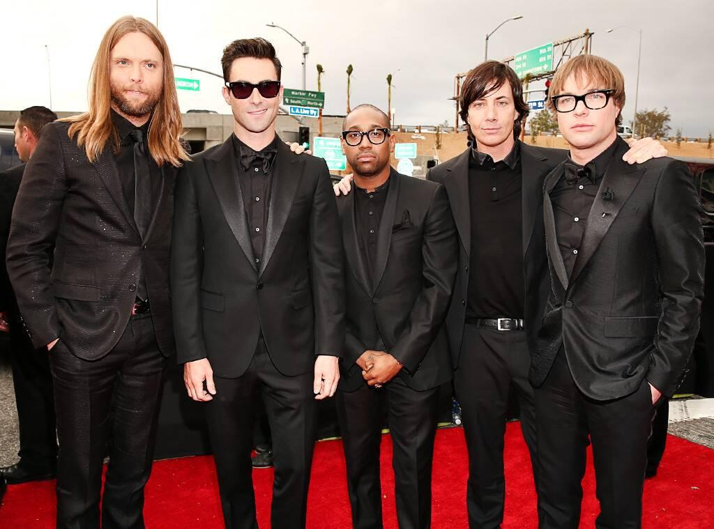 Adam Levine Apologizes For 'Unprofessional' Maroon 5 Performance After Receiving Huge Criticism Over Disrespecting Fans, Being Late And More!
