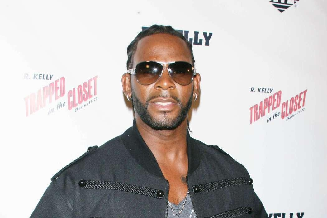 R. Kelly Tries To Get Racketeering Charges Dropped In Brooklyn