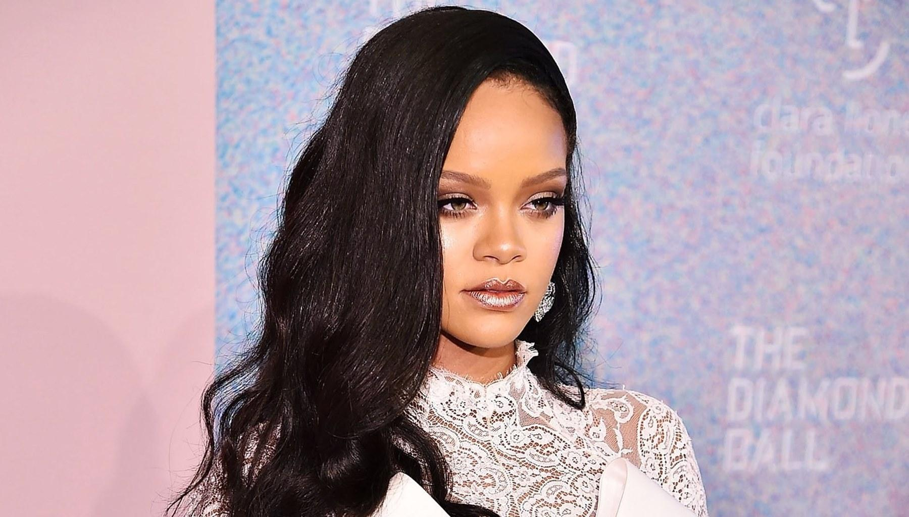 Rihanna Had A Late-Night Secret Rendez-Vous With This Famous Man -- Here Are The Juicy Details