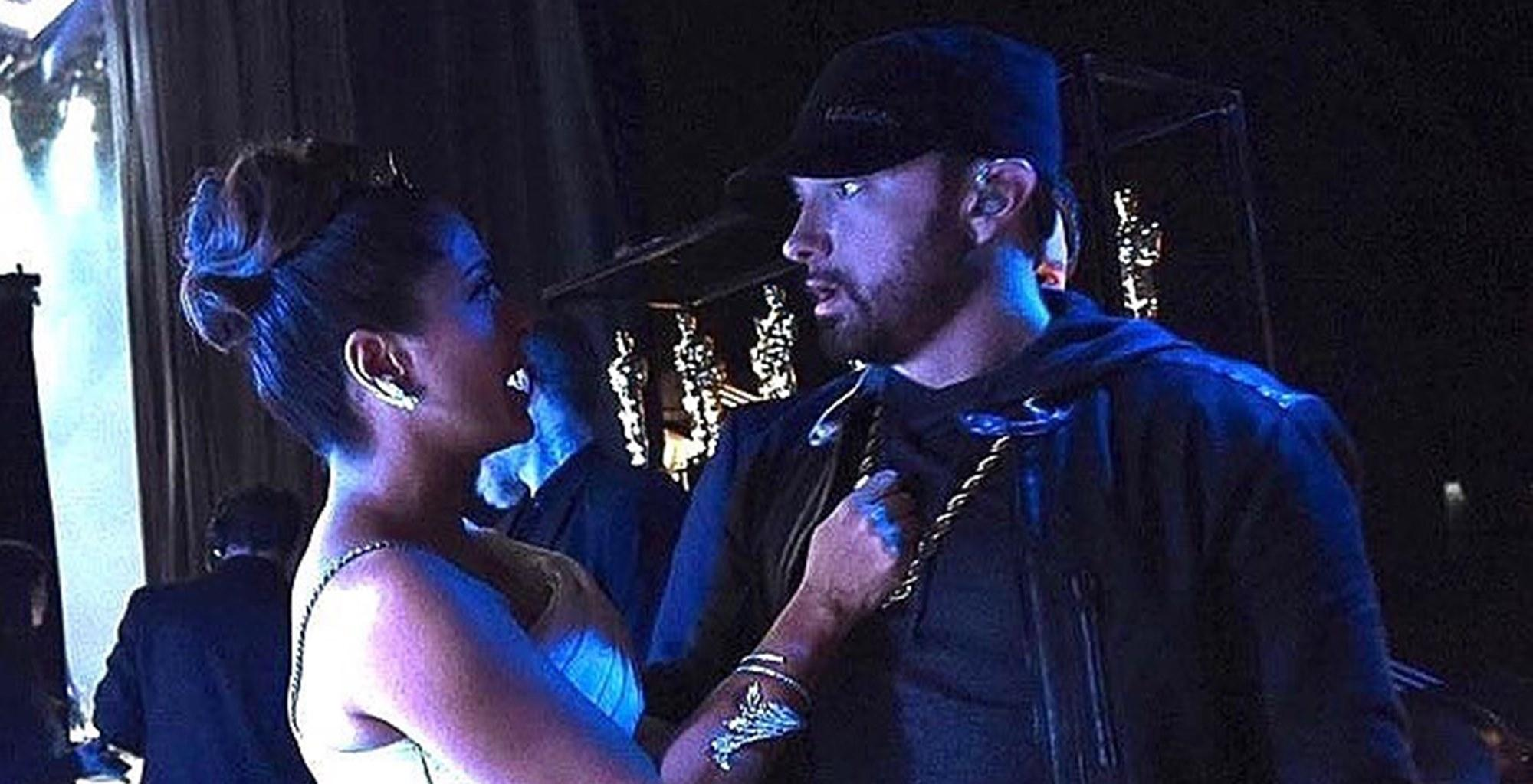 Eminem Looks Terrified Because Of Salma Hayek In These Viral Photos And This Is The Reason Why