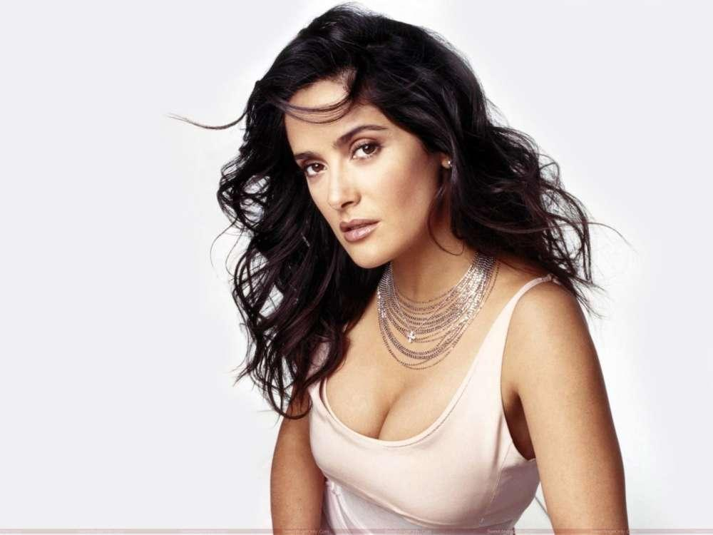 Salma Hayek Reveals Her Embarrassing Meeting With Eminem At The Oscars