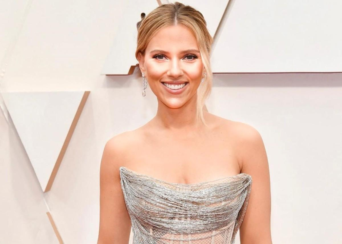 Scarlett Johansson's Oscar Gown's Bodice Took Over 300 Hours To Finish — See Her Dazzling Red Carpet Look
