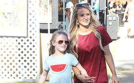 Leah Messer Mom-Shamed For Letting 10-Year-Old Daughter Wear Revealing Cheerleading Uniform And Makeup!