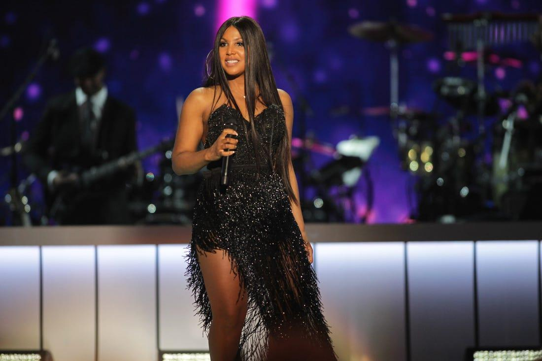 Toni Braxton Reveals To Her Fans That She's Feeling Better - Check Her Out Tickling The Piano