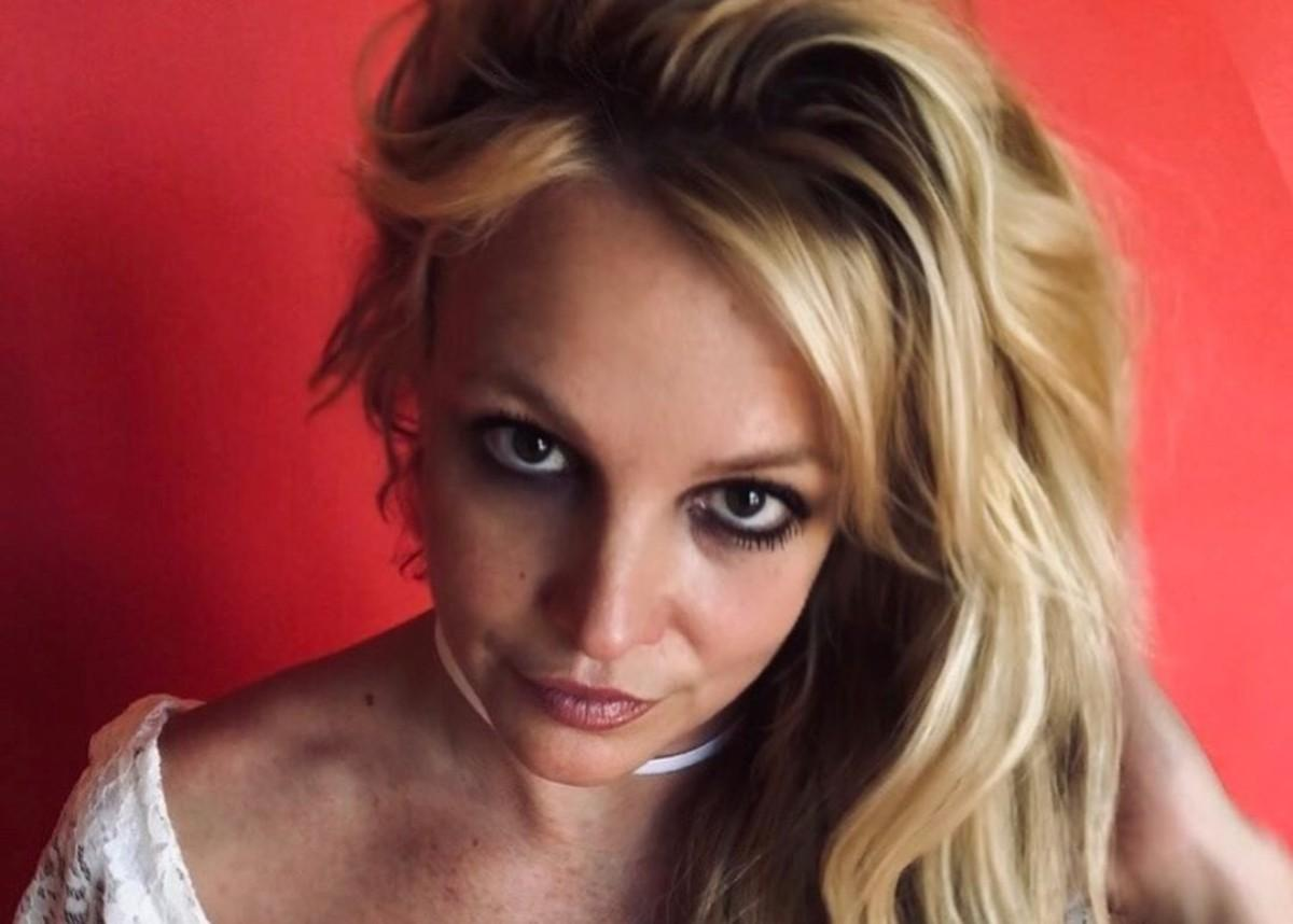 Britney Spears Wears Her Grandmother's Bathing Suit In Raw, Unedited Photos