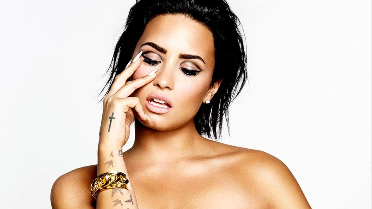Demi Lovato Reveals That People Checked Her Bank Account Statements To See What She Ordered From Starbucks