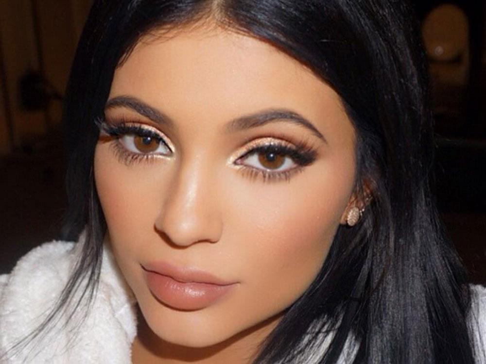 Kylie Jenner Is Kim Kardashian's New Makeup Artist Due To Social Distancing