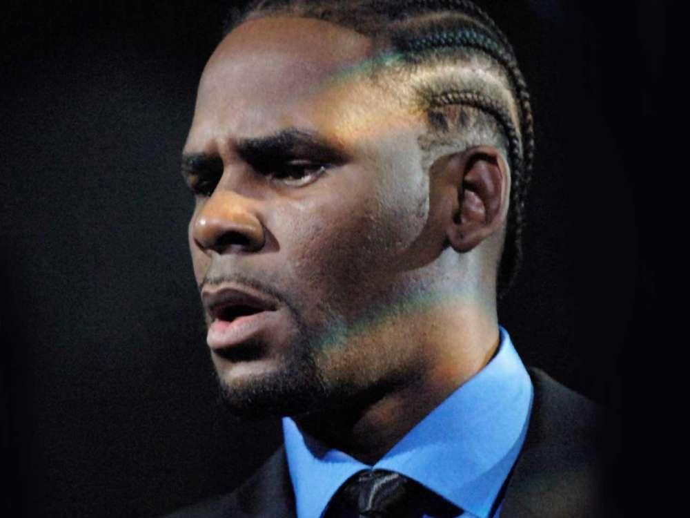 R. Kelly May Be Up For New Charges Involving New Victim - Police Also Confiscated 100+ Devices