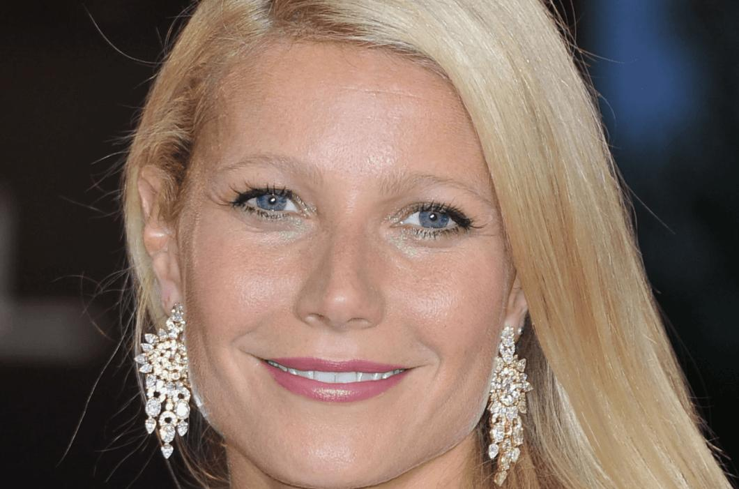 Gwyneth Paltrow Sells Old Hated Oscars Gown To Charity For Coronavirus Relief
