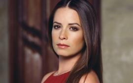 Holly Marie Combs Blames 'Disgrace To The Human Race' Donald Trump For Her Grandfather's COVID-19 Passing - 'He Believed Your Lies!'