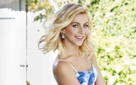 Julianne Hough And Brooks Laich Quarantining Apart - Are They Ok?