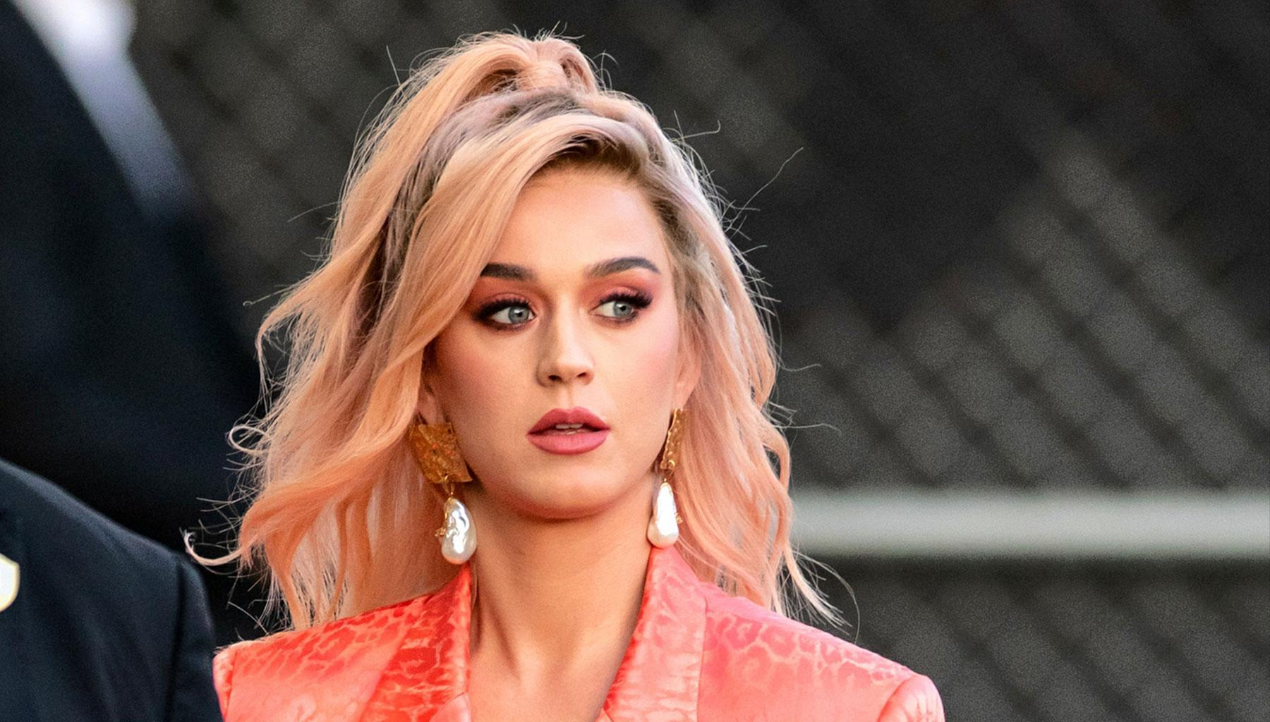 Katy Perry And Her Baby Bump Look Super Cute In Bunny Costume - Check Out The Festive Easter Look!