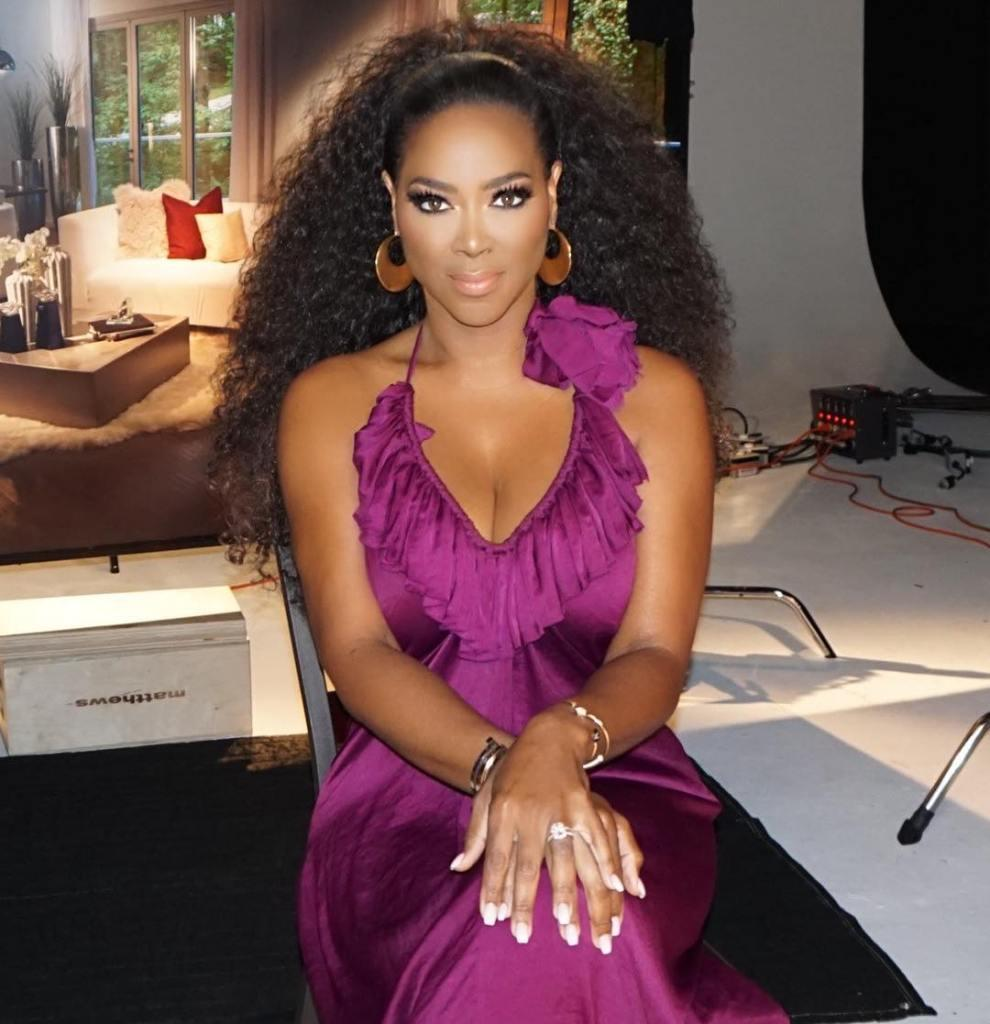 Kenya Moore Chooses To Be Happy And Doesn't Let Anyone Stop Her Shine