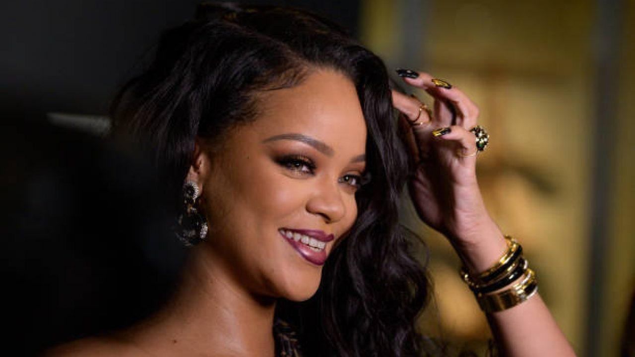 Rihanna Slams Donald Trump As Well As Her Fans After They Ask About Her Album While She's 'Trying To Save The World!'