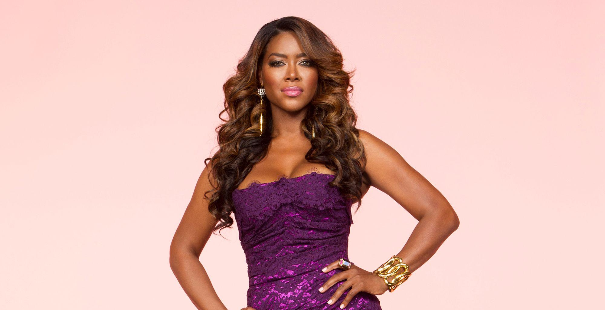 Kenya Moore Loves The Skin She's In: 'Wrapped In Chocolate' - Check Out Her Gorgeous Photo