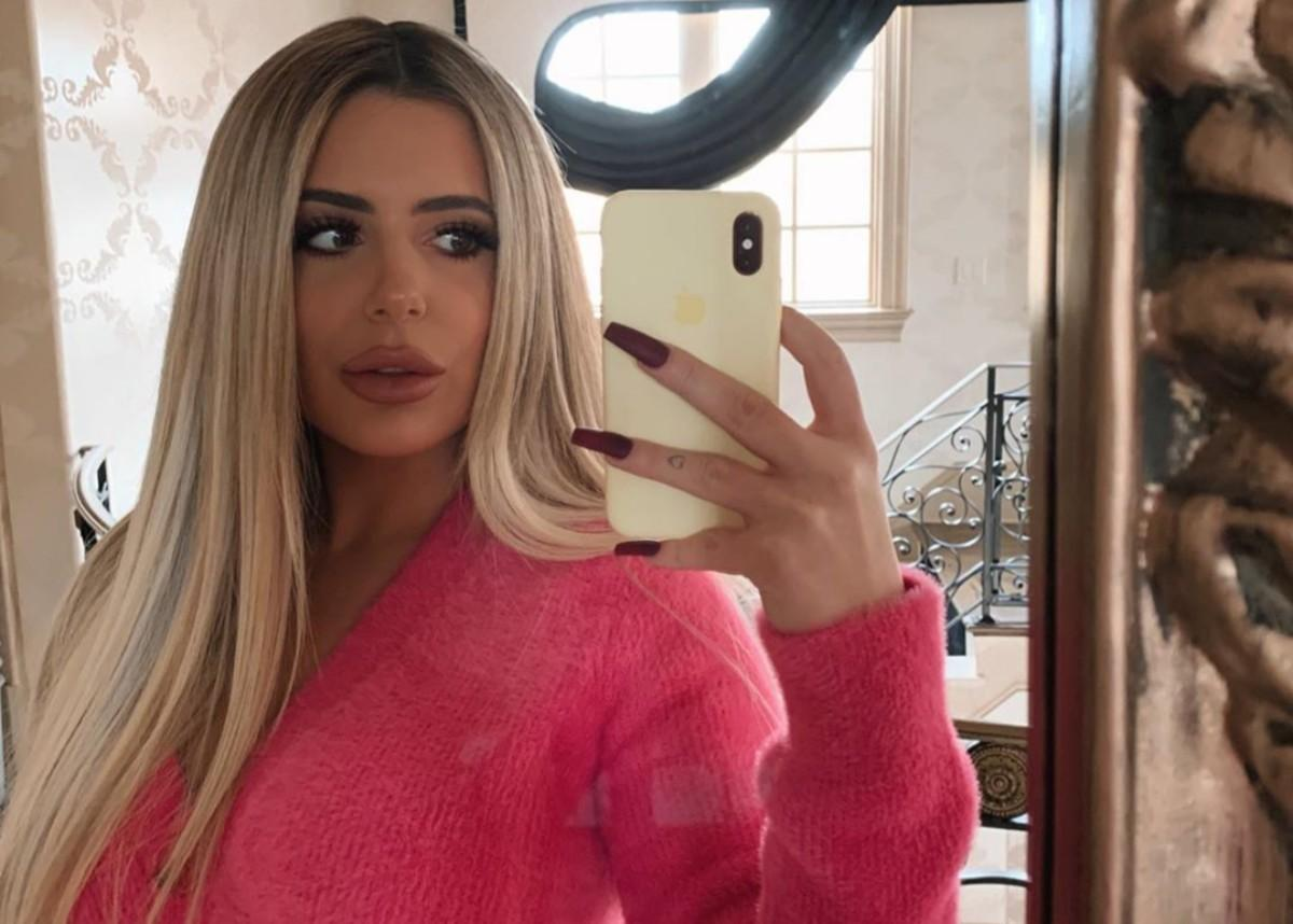 Brielle Biermann Puts Her Curves On Full Display In New Salty K Swimsuit Photos