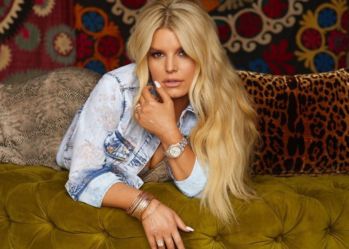 Jessica Simpson Shows Off Her Flawless Figure As She Shares An Important Workout Tip