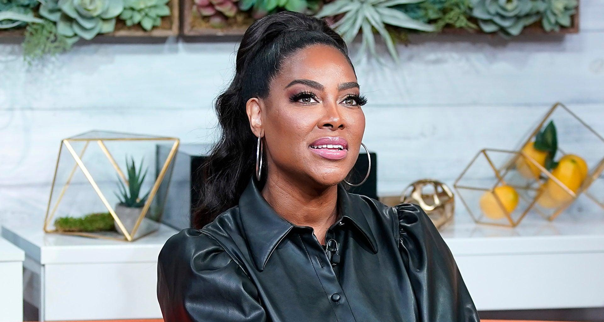 Kenya Moore Shows Fans What Peace Means To Her - See The Photo