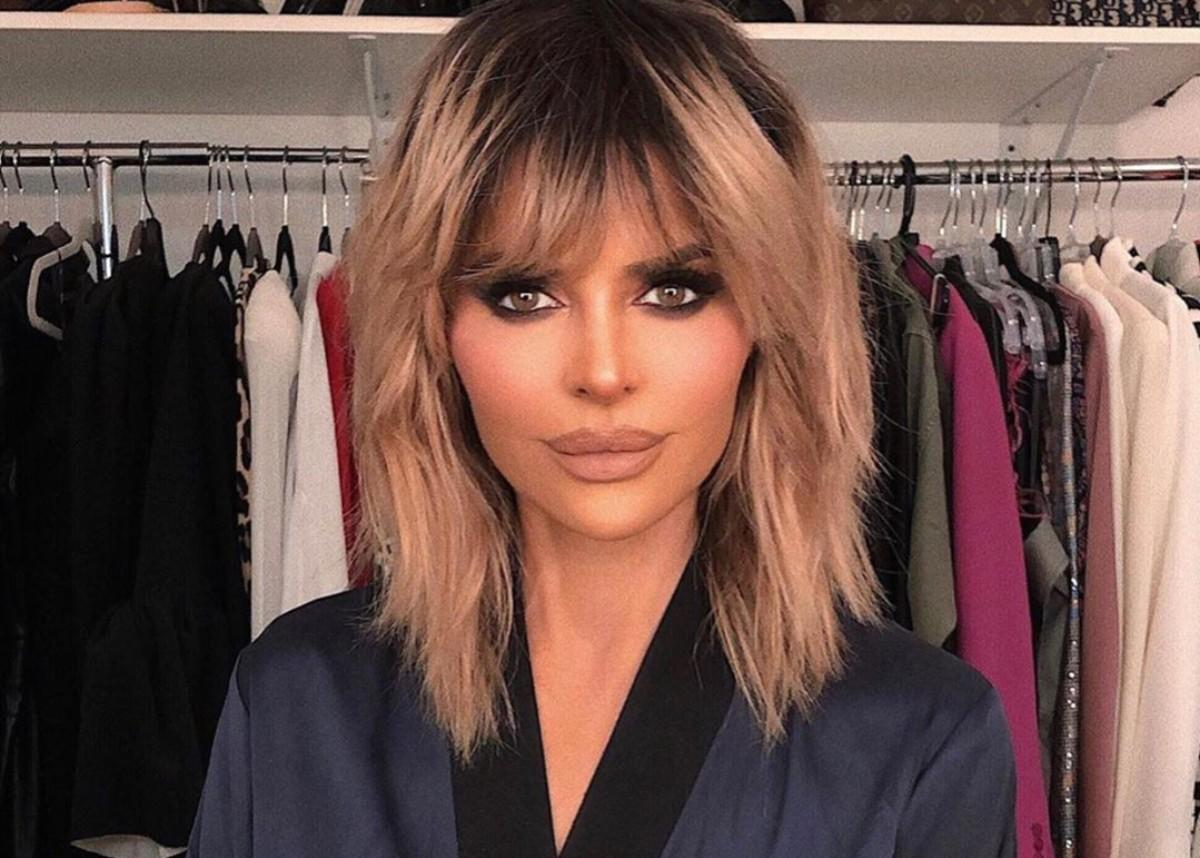 Lisa Rinna Puts Her Beach Body On Full Display In New Sultry Bathing Suit Photo