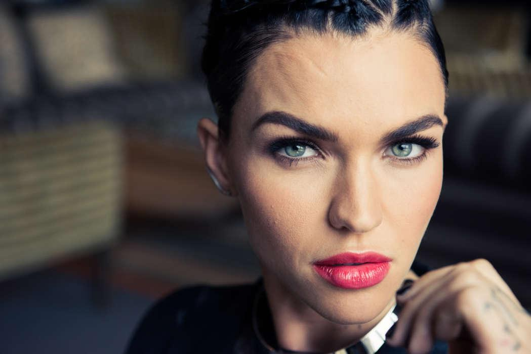 Ruby Rose Surprises Fans Everywhere - She's Leaving The CW's Batwoman After 1 Season