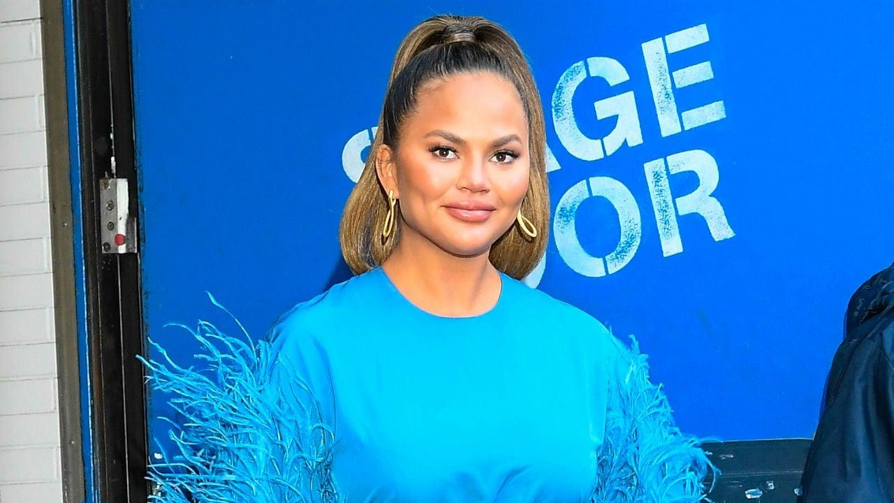 Chrissy Teigen Slams Her 'Rich' Friends For Expecting Free Merch From Her!