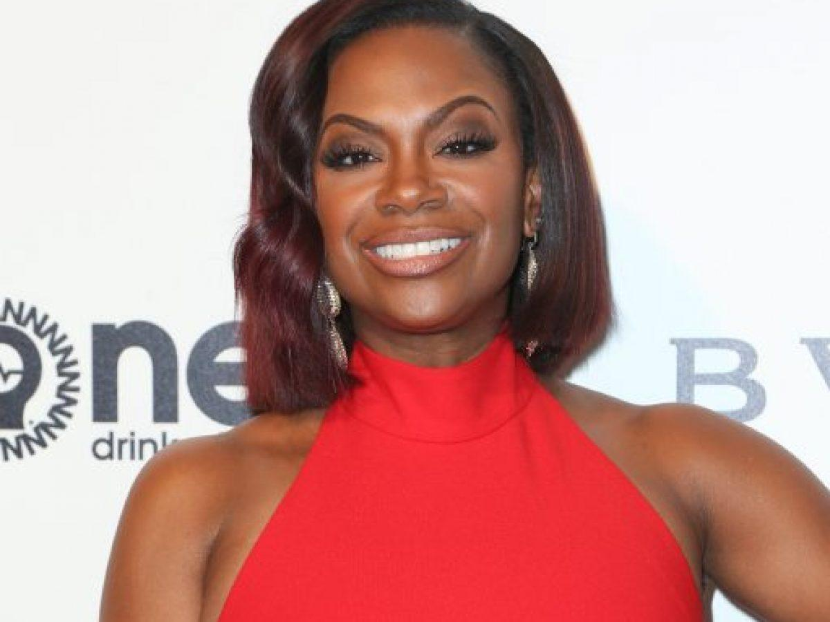 Kandi Burruss' Throwback Pics From 2000 Has Fans Says That She Looks Like A Black Harley Quinn