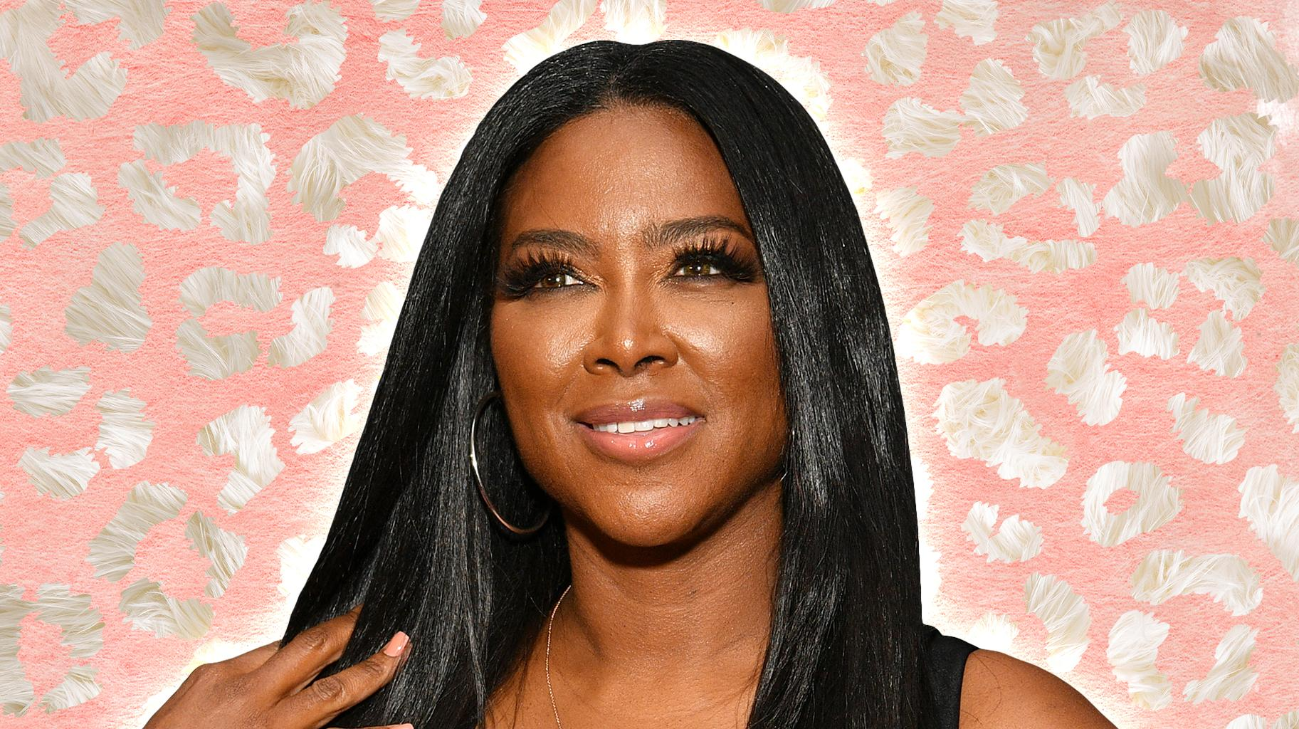 Kenya Moore Looks Gorgeous In Her White Dress For The RHOA Virtual Reunion
