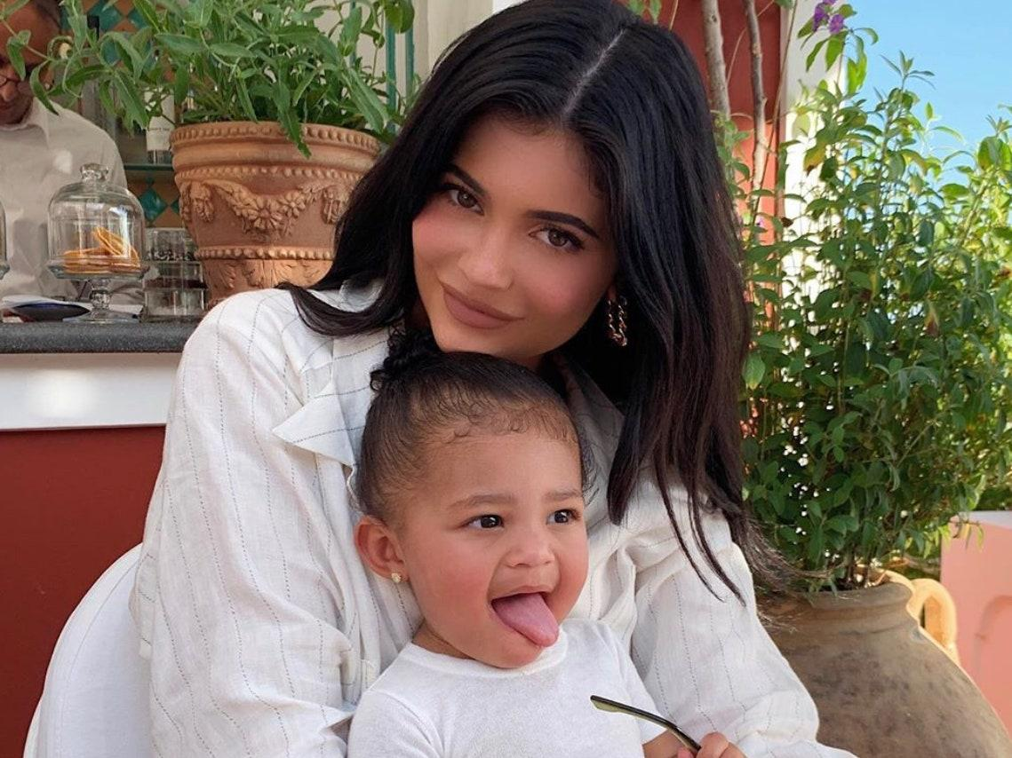 KUWK: Kylie Jenner Baby Pic And Stormi Pic Side-By-Side Post Is A Real 'Try To Find The Difference' Challenge - They Look Like Actual Twins!