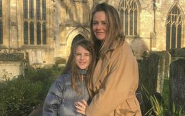 Alicia Silverstone Reveals That She 'Takes Baths' With Her 9-Year-Old Son And Fans Are Losing It